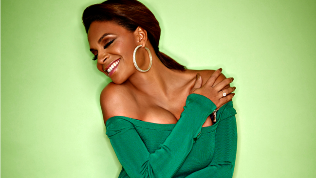 sf-teedra-moses-album-review-cognac-and-conversation-20150806.png