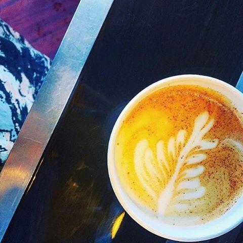 Rainy day latte vibes🌧☕️
