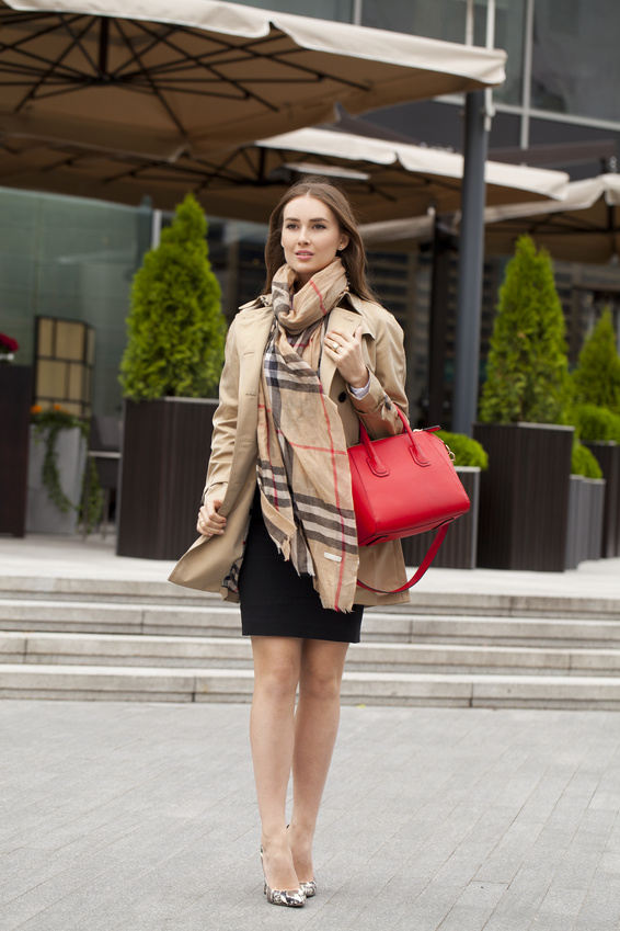Beige Coat Walking 87999242_S.jpg