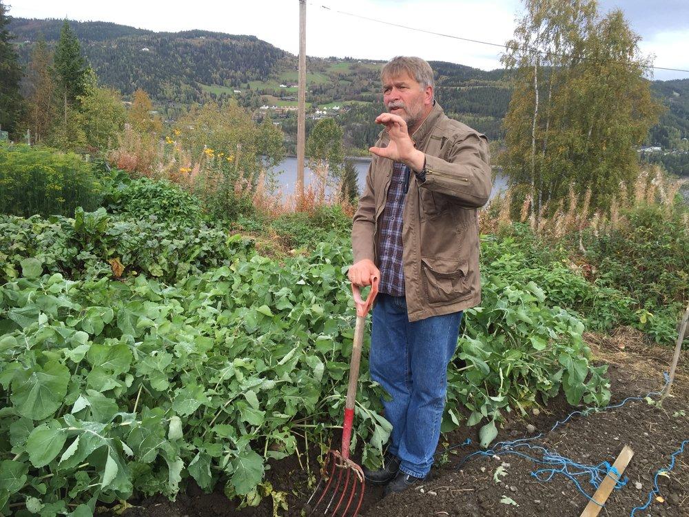 Målet for våre kurs er å formidle velprøvd og solid kunnskap om dyrking av grønnsaker med basis i gjødsel og hjelpemidler som er i ditt nærområde.