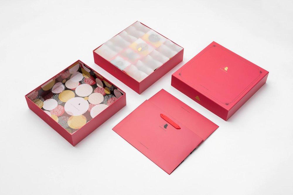 擁有●愛 - 與台灣新銳設計師Scott Yah合作