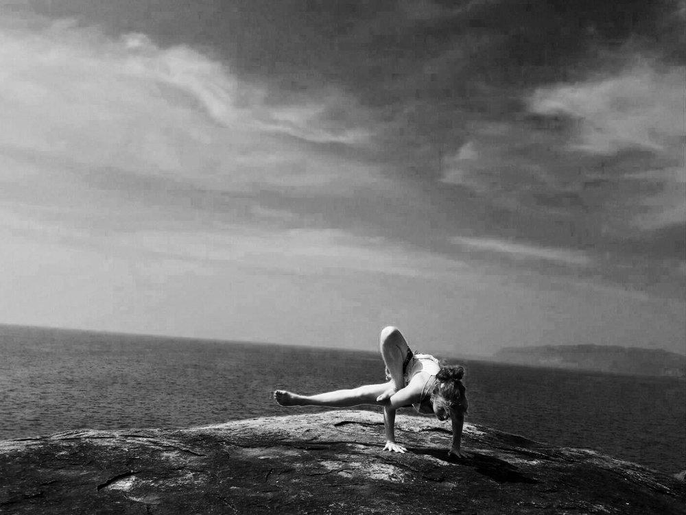 yoga fleurdevie (1).jpg