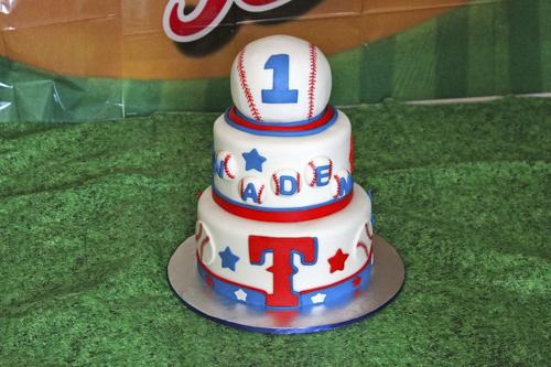 baseball cake.jpg