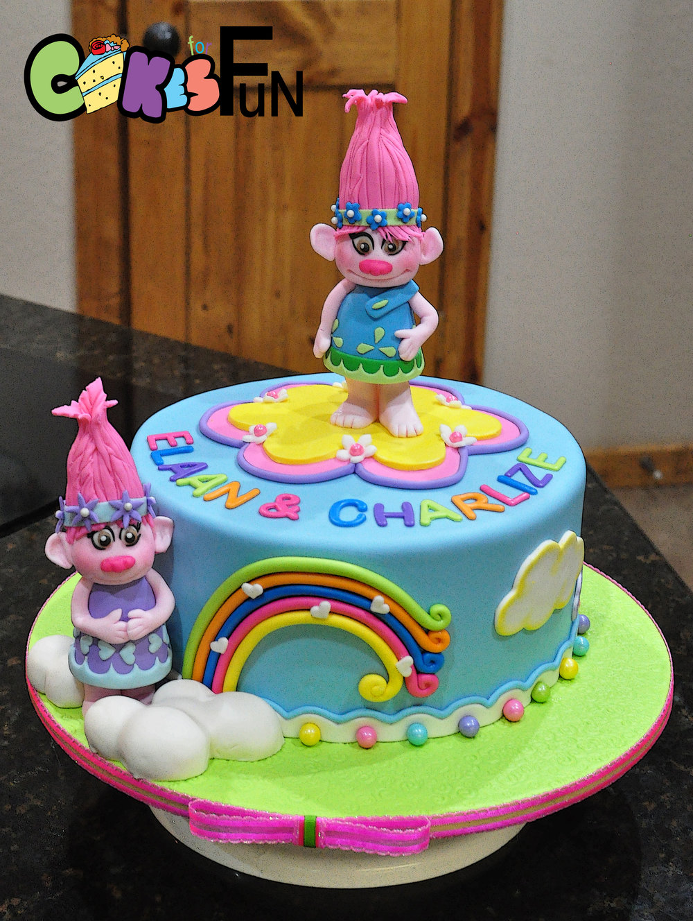 poppy troll cake.jpg