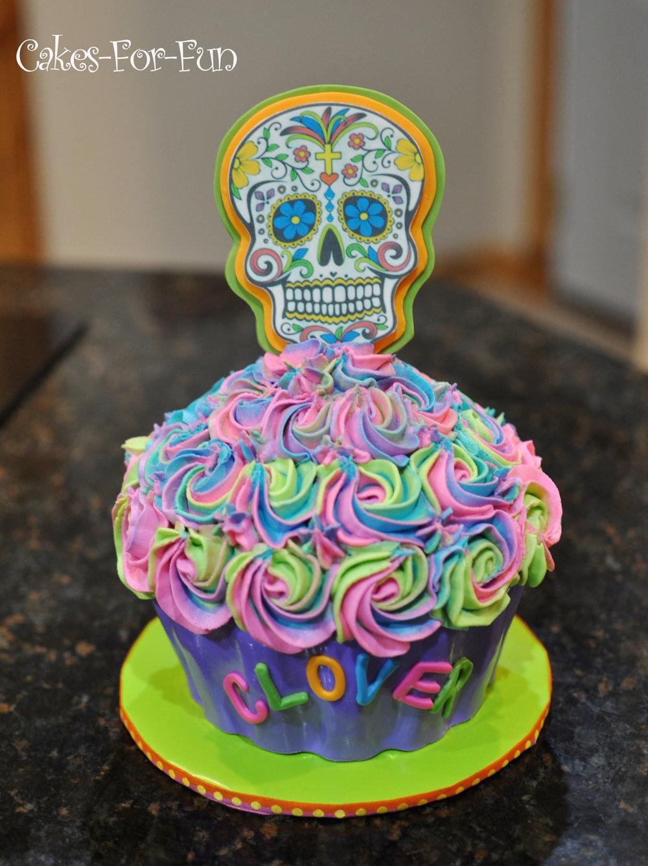 Skull Cupcake Cake.jpg