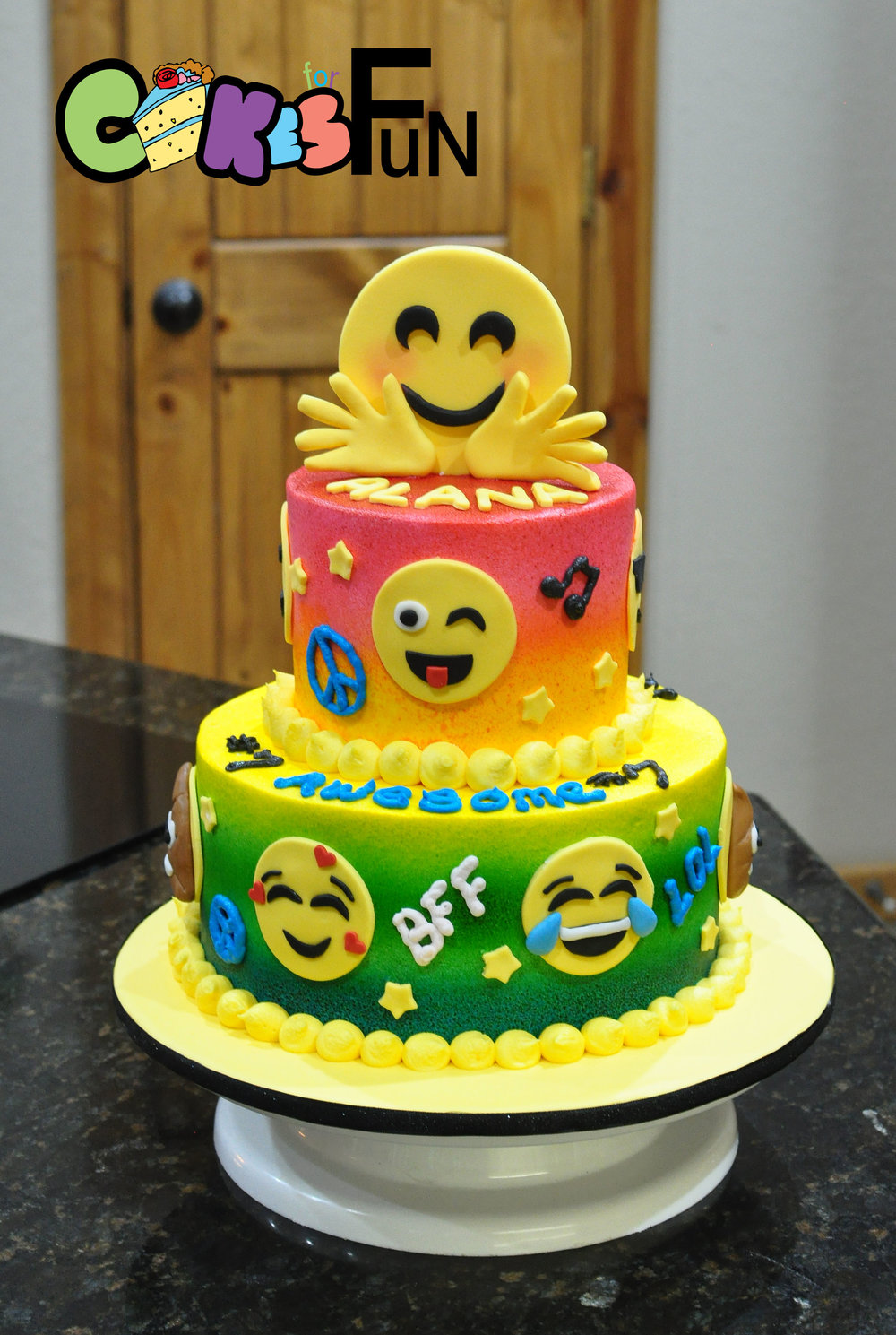 emoji cake 030918.jpg