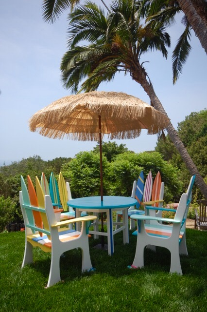 Margaritaville Dining Set