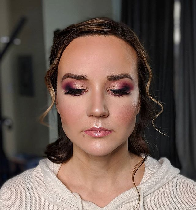 I had the opportunity to do makeup for a styled shoot last night with @thedressloungeyeg which was SO FUN. I will post the photos in the near future! I cant wait to see how they turned out! Hair- @haairbydeena  I still have a few dates available for the 2019 wedding season! I will post them on my story today so keep an eye out!!! . . . . #yegbridal #yegwedding #yegweddingmakeupartist #yegbridalmakeup #yegmua #yegmakeupartist #yegmakeup #edmontonmakeupartist #edmontonbridal #edmontonbridalmakeup #yegweddingmakeup #yycbridal #yycbridalmakeup #travelmua #wededmonton  #junebugweddings #narcitycanada #weddingglam