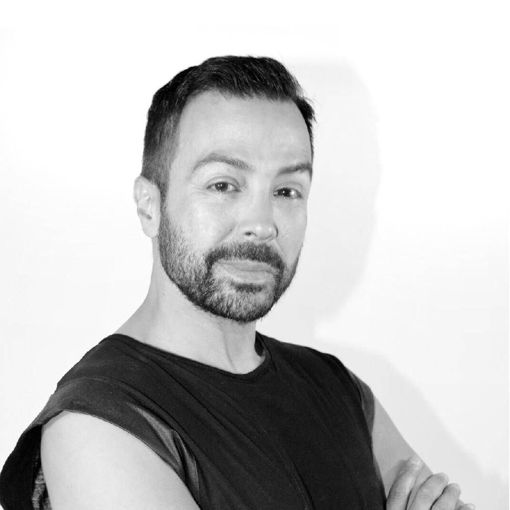 CHRIS ROSARIO Hair Stylist, Educator IG: @ChrisRosario, greathair@chrisrosario.com