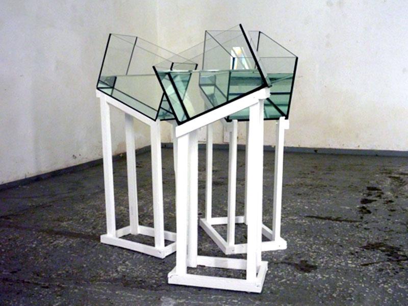 DELTA - 30 x 60 x 150 cm