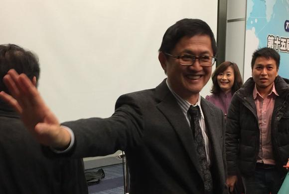 Pegatron Chairman Tung Tzu-hsien is pushing subsidiary Casetek to improve its technology to win orders for iPhone backs. (Photo by Debby Wu)
