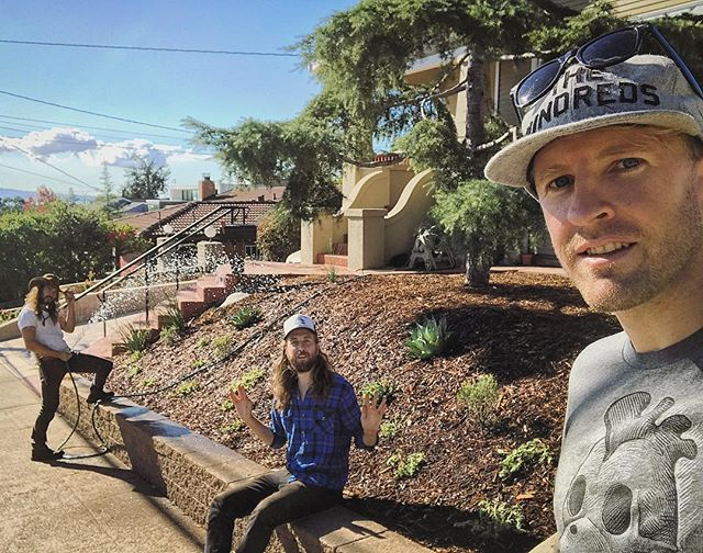 Fresh plantings!  These guys rocked out ten yards of much and planted about 100 plants in the last two days.  Now let's pray for some rain!!! 🙏🏻💦💦💦💦💦💦💦 . . #landscaping #permaculture #droughttolerant #succulents #agave #rosemary #lavender #lowwater #garden #gardening #oakland #bayarea #landscapedesign