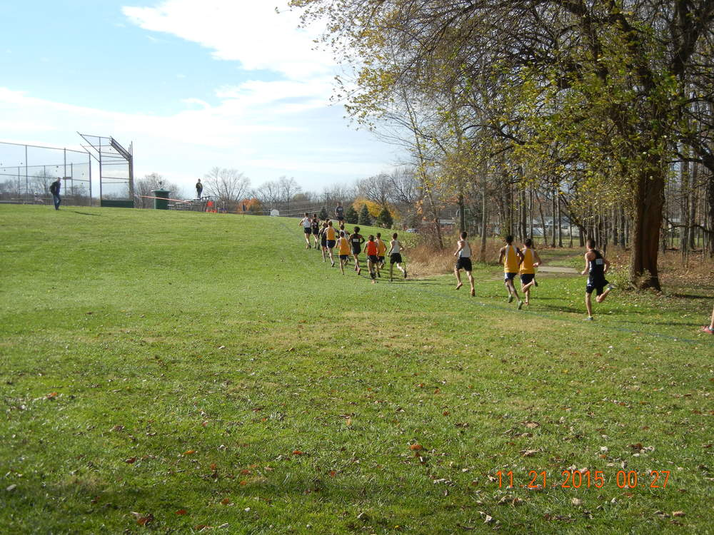 Leaders approaching the 2-mile mark