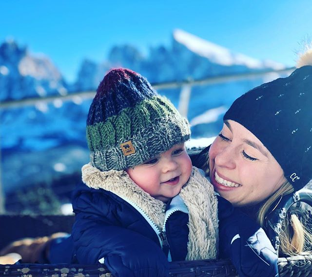 I feel so filled with love I could burst at the seams and little hearts would come flying out everywhere 😍❤️😍❤️Thats's how I feel when I look at you .....Gosh, This mommy loves her little boy so much. #love #newmom #momlife #italy #travelitaly #dolomites #seceda #wanderlust #positivethinking #mountainvibes #ski
