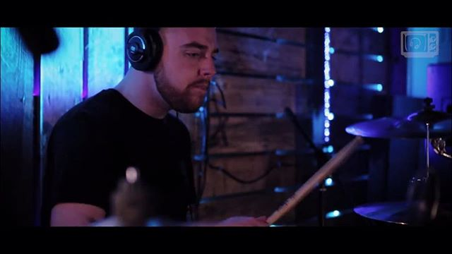 We've just released a live session vid for our track Podha! Head over to our Facebook page or YouTube channel now to listen and make sure to let us know what you think!! 🤘🏼 #riffs #newsong #newmusicmonday #rock #metal #altrock #progrock #live #studio