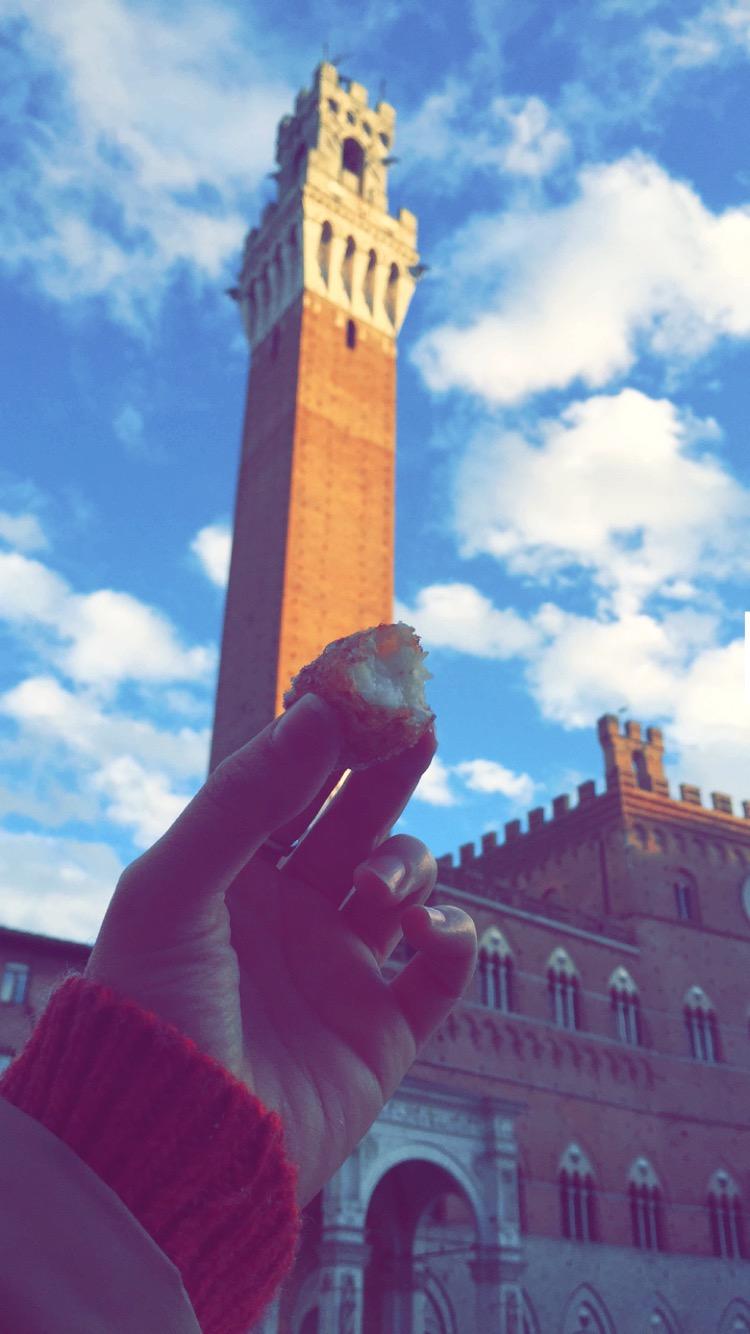 Frittelle, Piazza del Campo | Siena