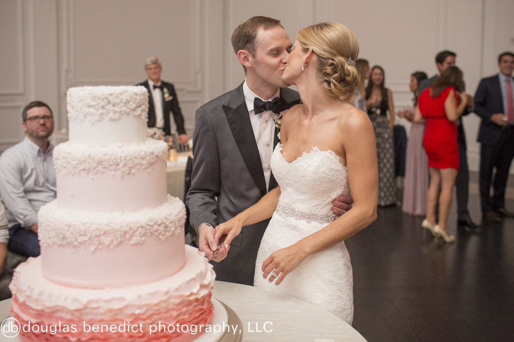 38 Downtown Club Philadelphia Wedding Cake Cutting.jpg