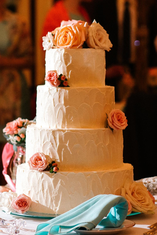 27 Historic Rosemont Manor Wedding Cake.jpg