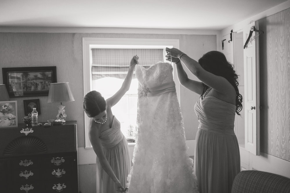 04 Appleford Estate Wedding Dress Bridesmaids.jpg