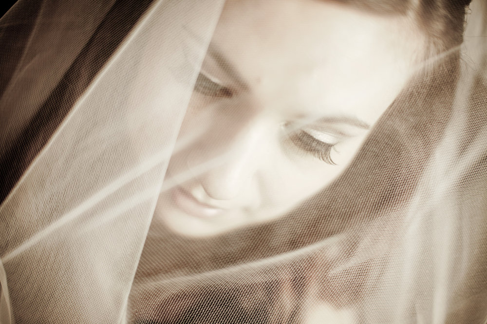 05 Old St Josephs Philadelphia Downtown Club Winter Wedding Bride Veil.JPG