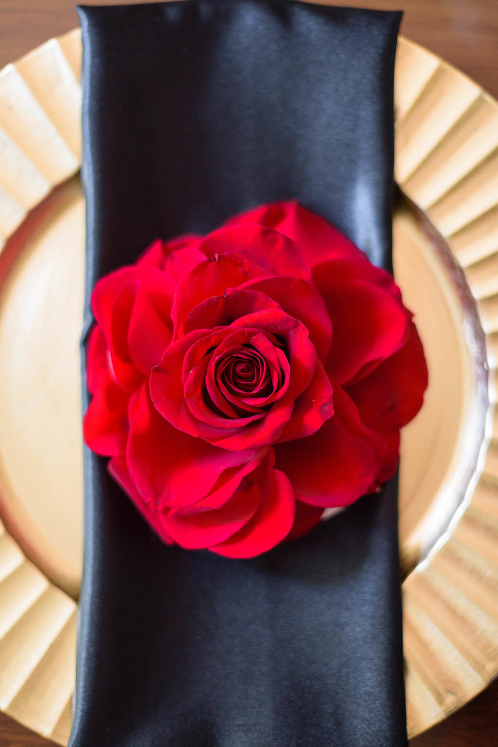 30 Giant Red Rose Blossom Place Card Spanish Rose Wedding.jpg