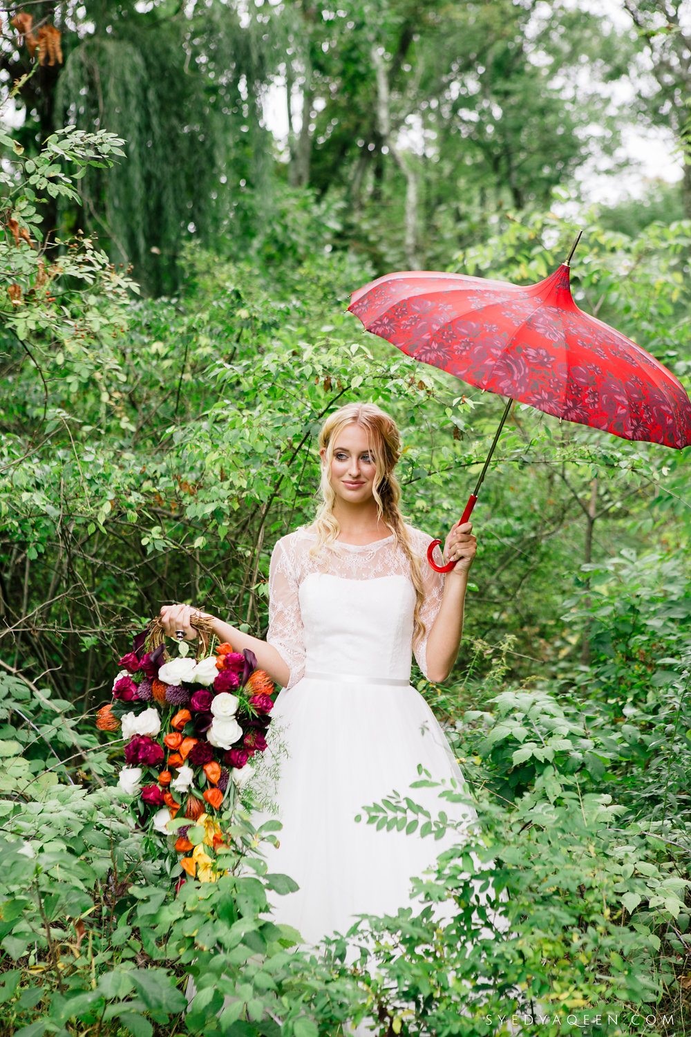 12 Bella Umbrella Teardrop Bouquet Philadelphia Wedding Florist Orange Red Purple.JPG