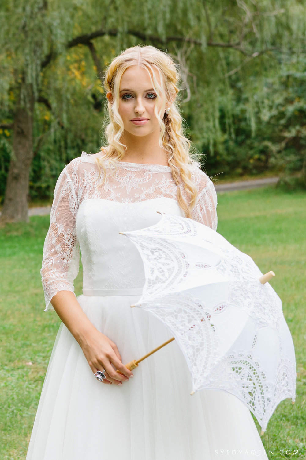 04 Alice in Wonderland Lace Parasol Watters Bridal Aribella Events.JPG