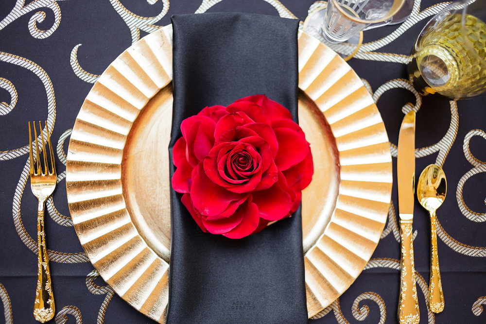 09 Philadelphia Wedding Planner Spanish Rose Place Setting Red Rose Gold Black Rose Philadelphia Wedding Planner.jpg