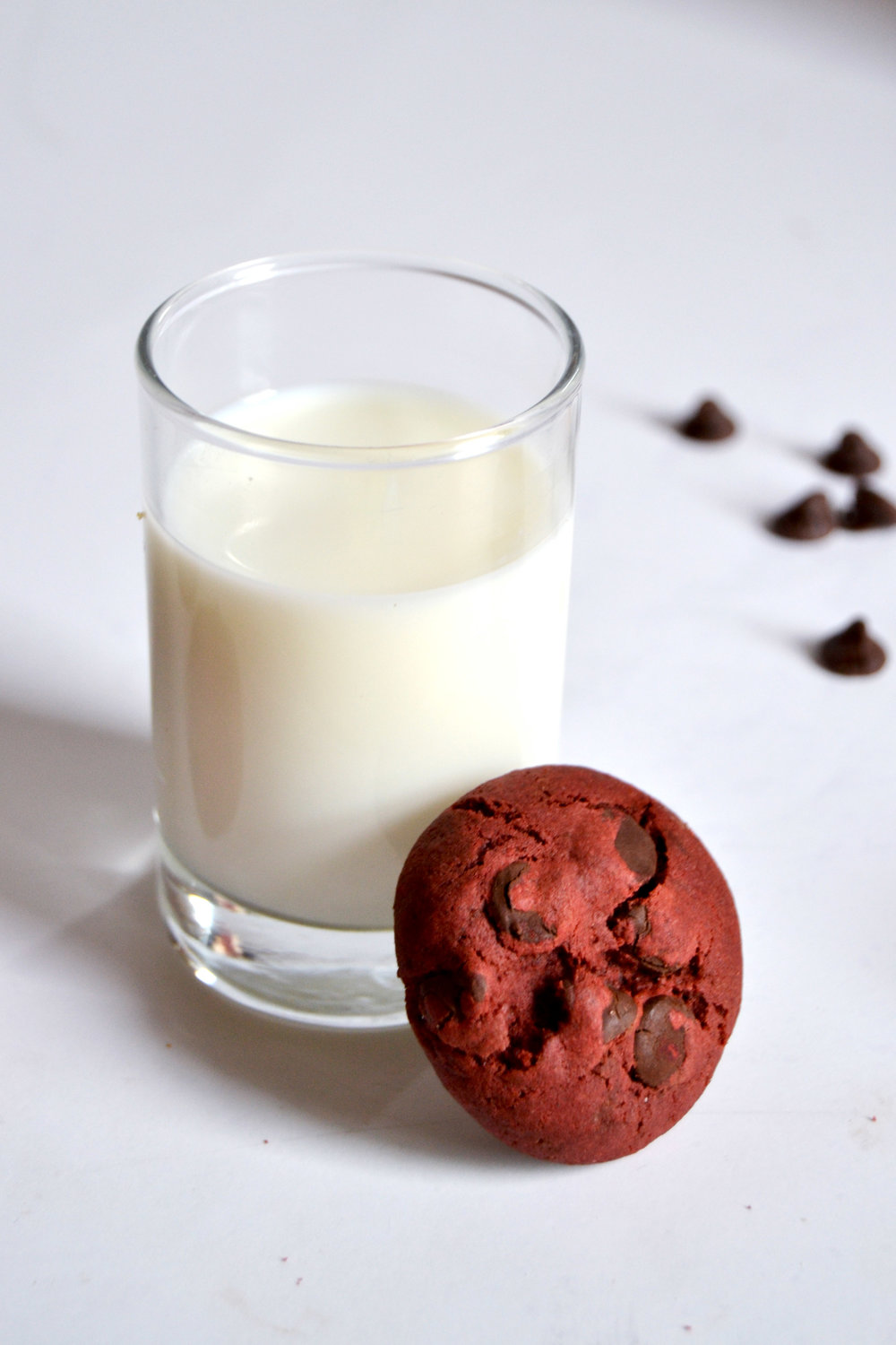 "Red Velvet ""Velvet Rush"" Chocolate Cookies with Milk 