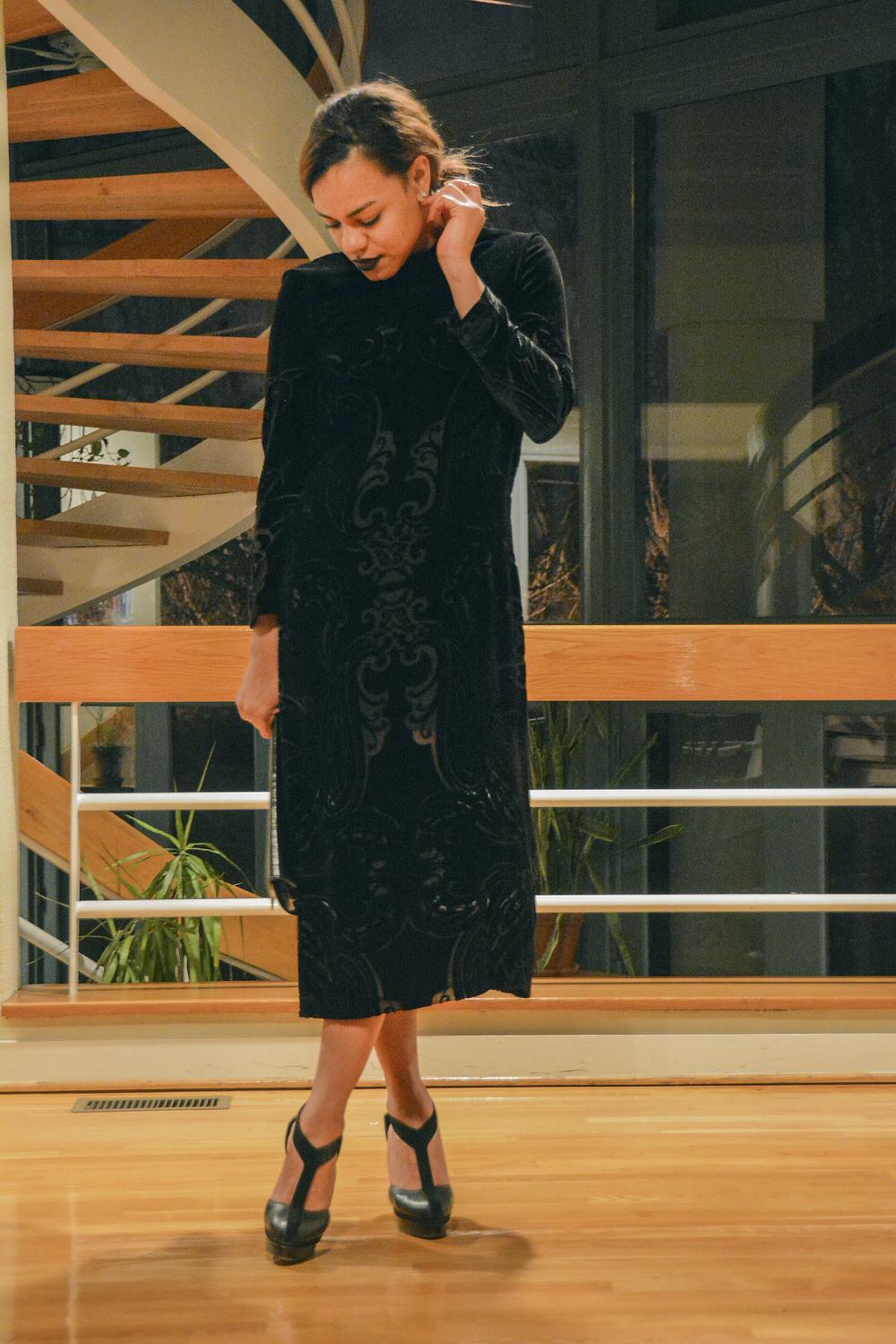 wearing: ZARA dress, YSL shoes & clutch