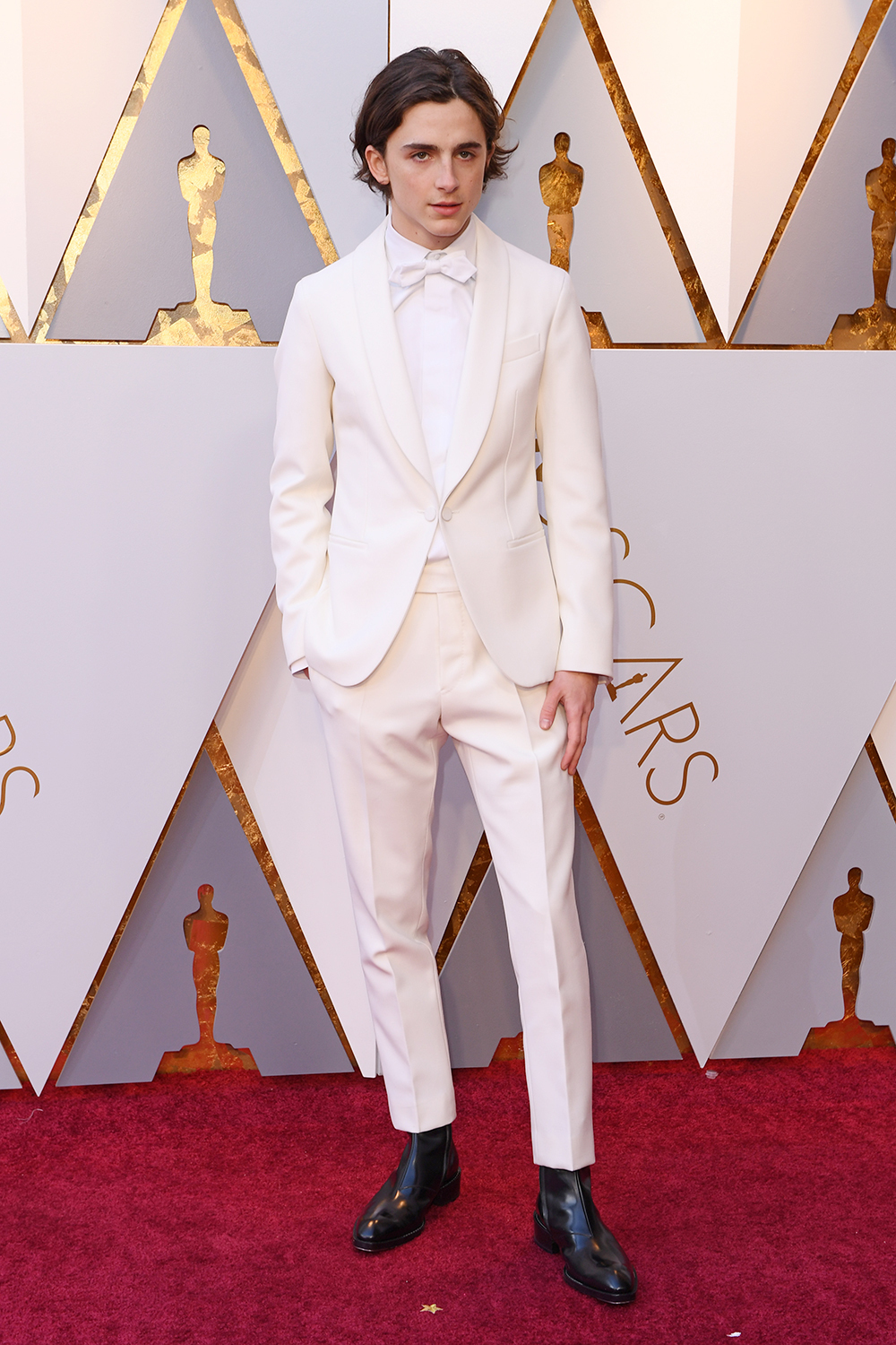 timothee-chalamet-oscars-red-carpet.jpg