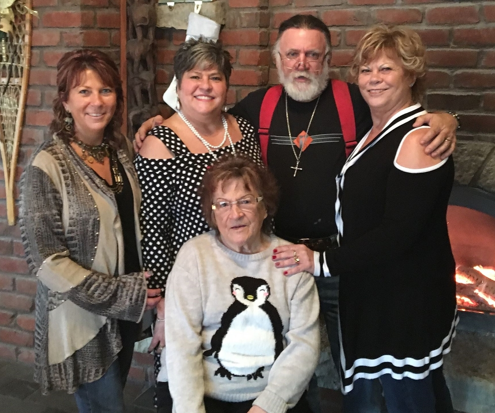 Lottie (front), with Cindy, Nancy, Richard, Diana, 2 Jan. 2016.