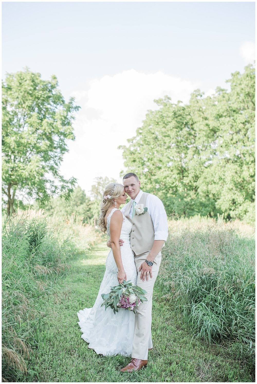 Kellie and Andrew Fitch - Avon Century Barns - Lass and Beau-923_Buffalo wedding photography.jpg