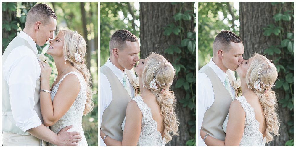 Kellie and Andrew Fitch - Avon Century Barns - Lass and Beau-1039_Buffalo wedding photography.jpg