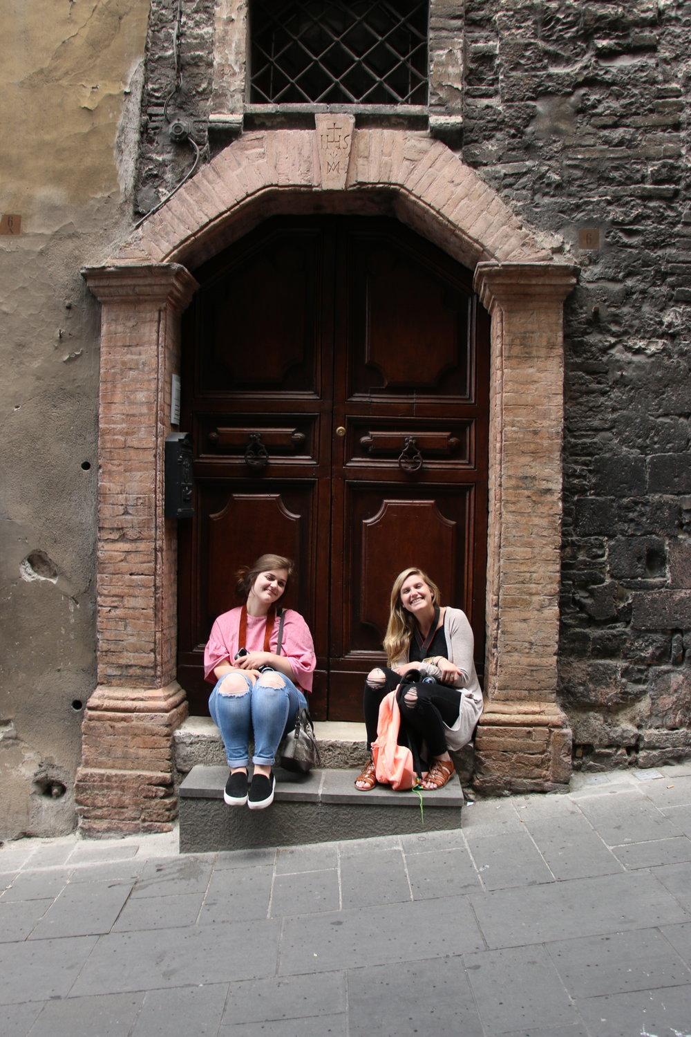 girls smiling in italy