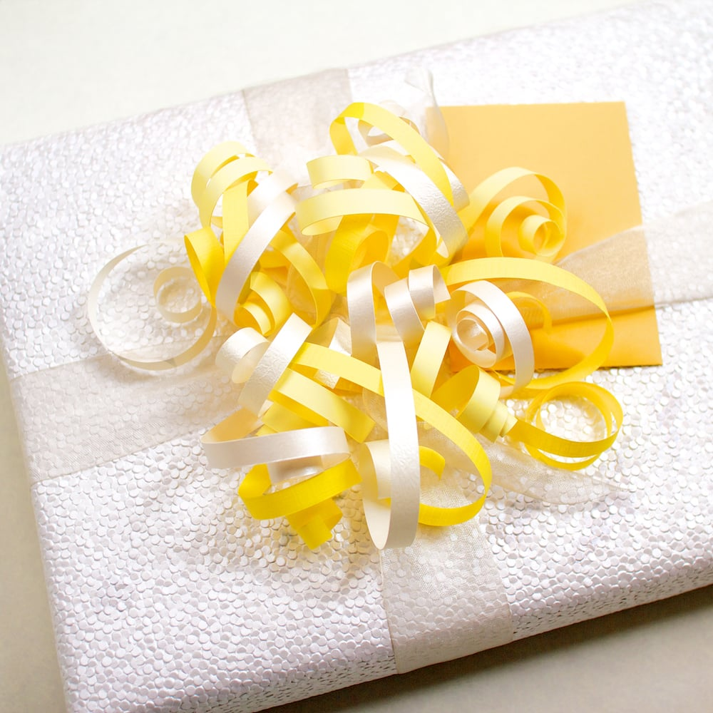 7-detail-paper_curl-wedding_shower-wrapping.jpg