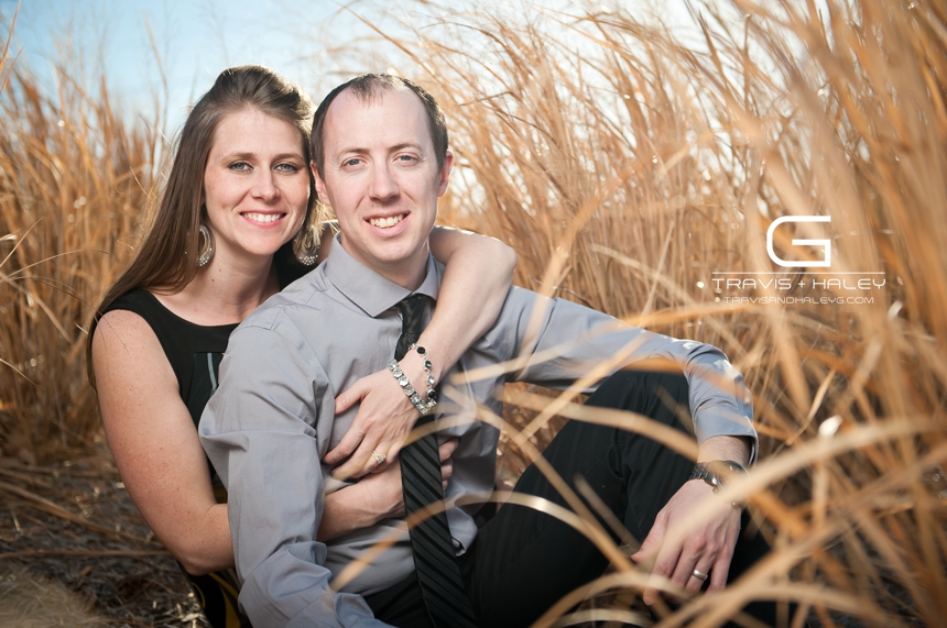 outdoor field tall grass modern wedding photographers