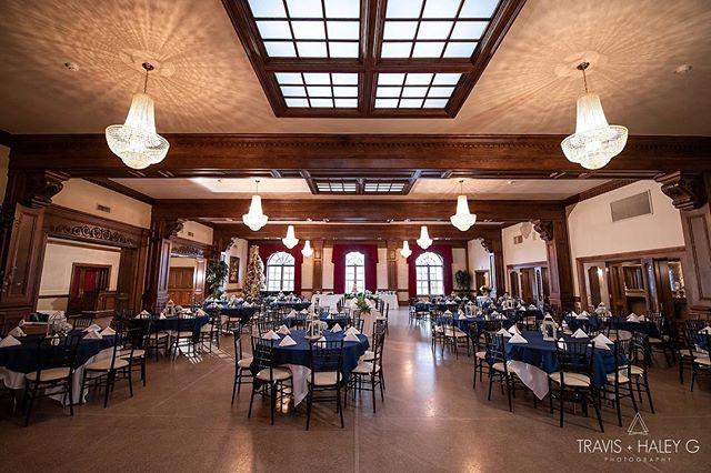 Just look at how GORGEOUS Jason & Sarah's reception is at The Dominion House??!! We love photographing here! ❤️📸🤗@dominionhouseguthrie @travisandhaleyg #dominionhouseguthrie #dominionhouserocks #okcweddings #guthrieweddings #husbandandwifeteam #gorgeousreception #okweddingvenue #bridesofok