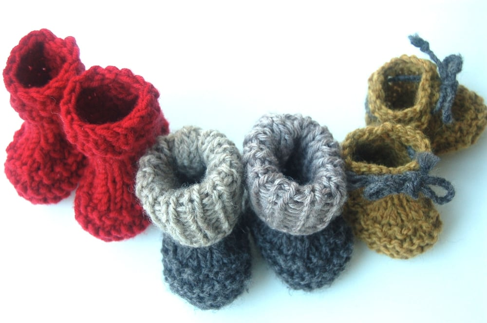 Baby Steps Booties knitting pattern by Lisa Chemery - Frogginette Knitting Patterns