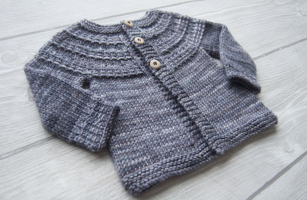 Hyphen cardigan by Frogginette Knitting Patterns