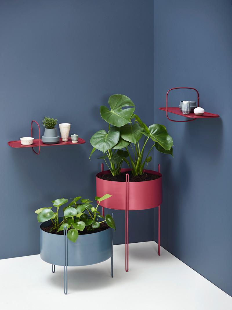 Pidestall Flowerpots designed by Emilie Stahl Carlsen | Polar Shelf deigned by Terhedebrügge
