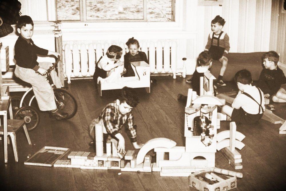 1952Kindergarten.jpg