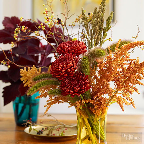 fall-mantel-betterhomesandgarden2.jpg