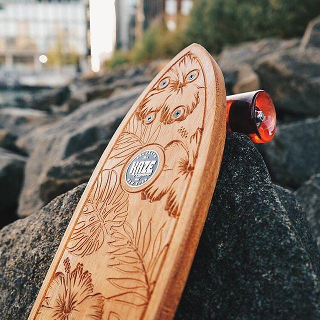 The Hawaiians in Brooklyn🏄🏽🌴 📸: @kaykaikim  #madeinbrooklyn #dumbo #hawaiian #skateboardart #surfboard #kaze #kazekruisers #surfnyc