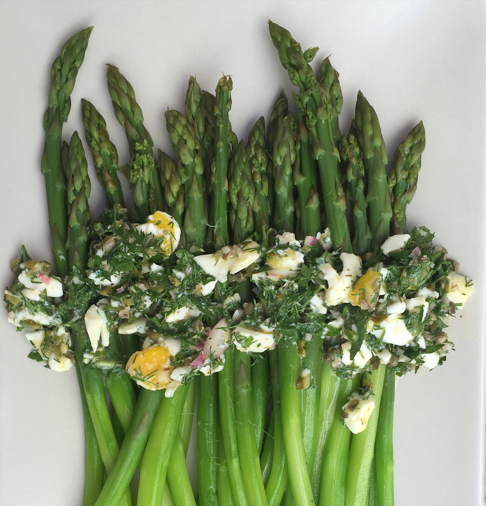 Asparagus with new-wave gribiche