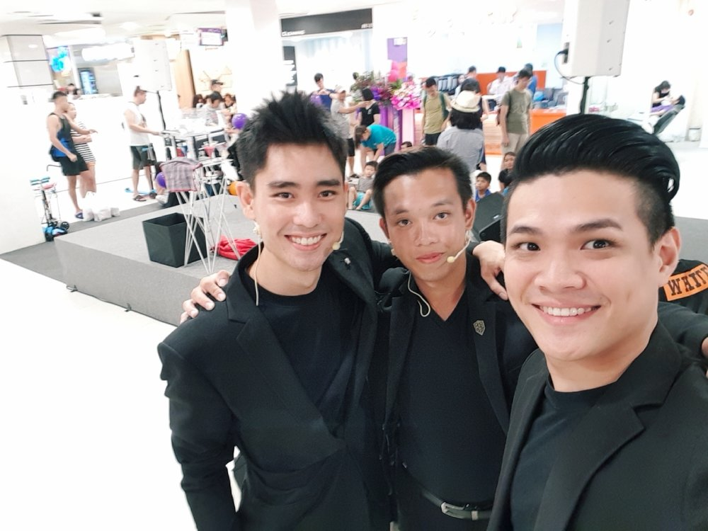singapore magicians