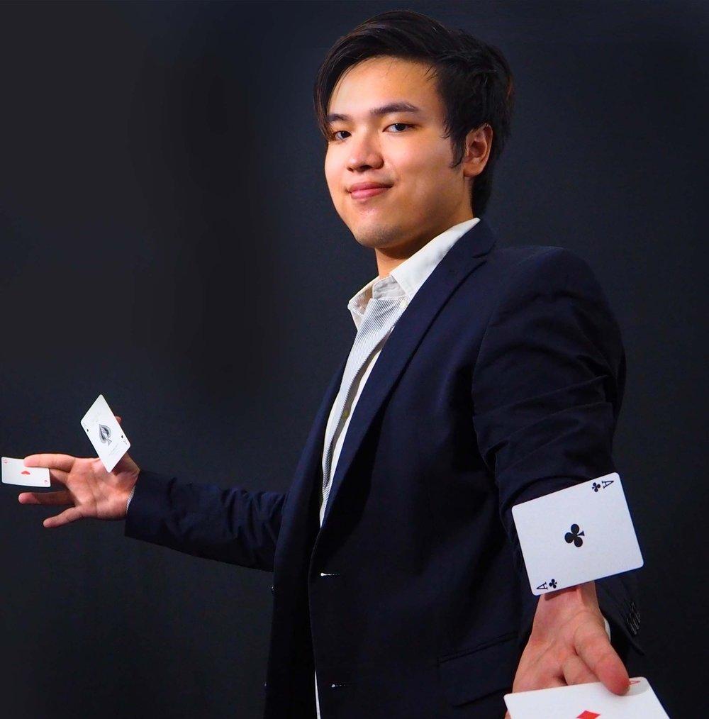 Joel L. - Magician