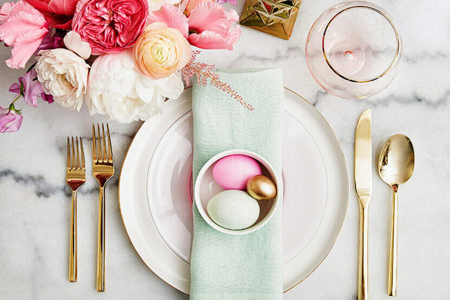 10 Spring Tablescapes.jpeg