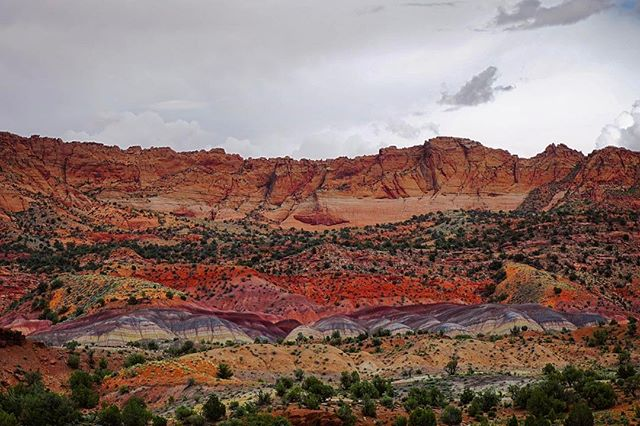 This place exists..... I didn't hike it but will sometime... took from my car off  House Rock Valley Road #houserockvalleyroad #arizonastrip #stormy #blmwild #findyourpark #color #itsamazingoutthere #roadtrip #rei1440project #getoutside #offthebeatenpath #landscapes #landscapephotography #natgeotravel #travelgram #sonyalpha #sonyalpha5100