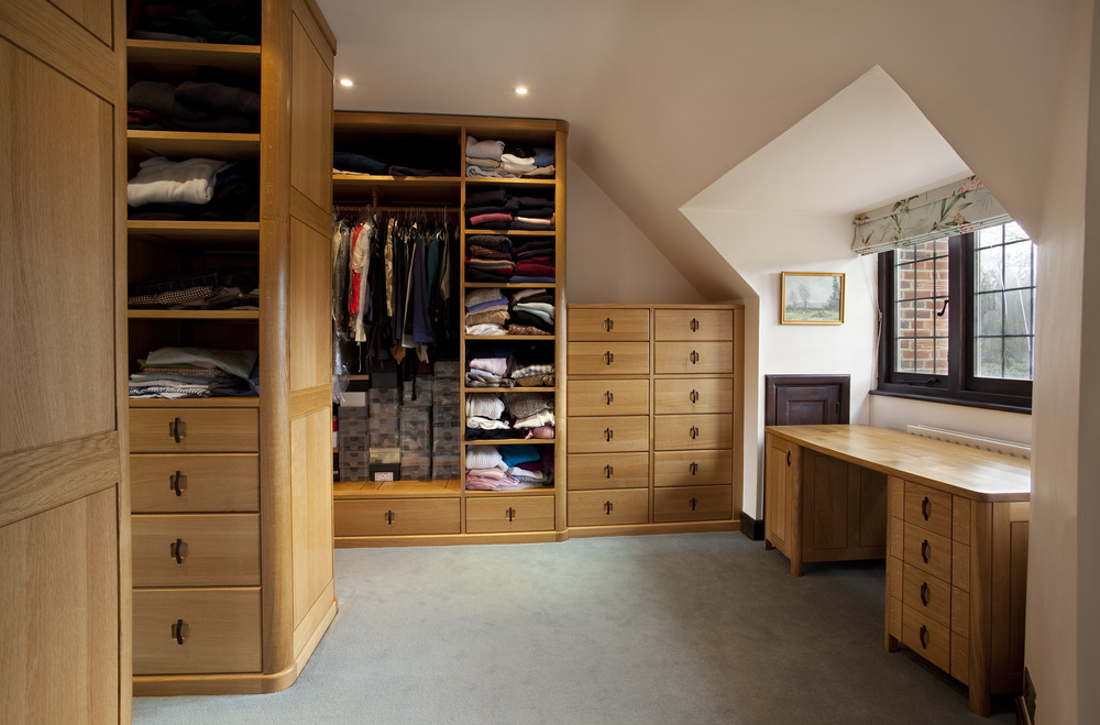 Fitted wardrobe by Simon Smith